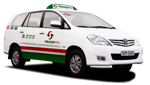 Taxi-7cho-innova.jpg